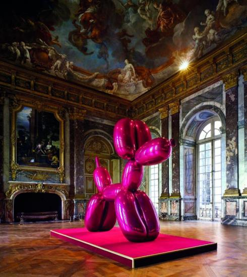 Jeff Koons' Pink Balloon Dog at Versailles, 2008